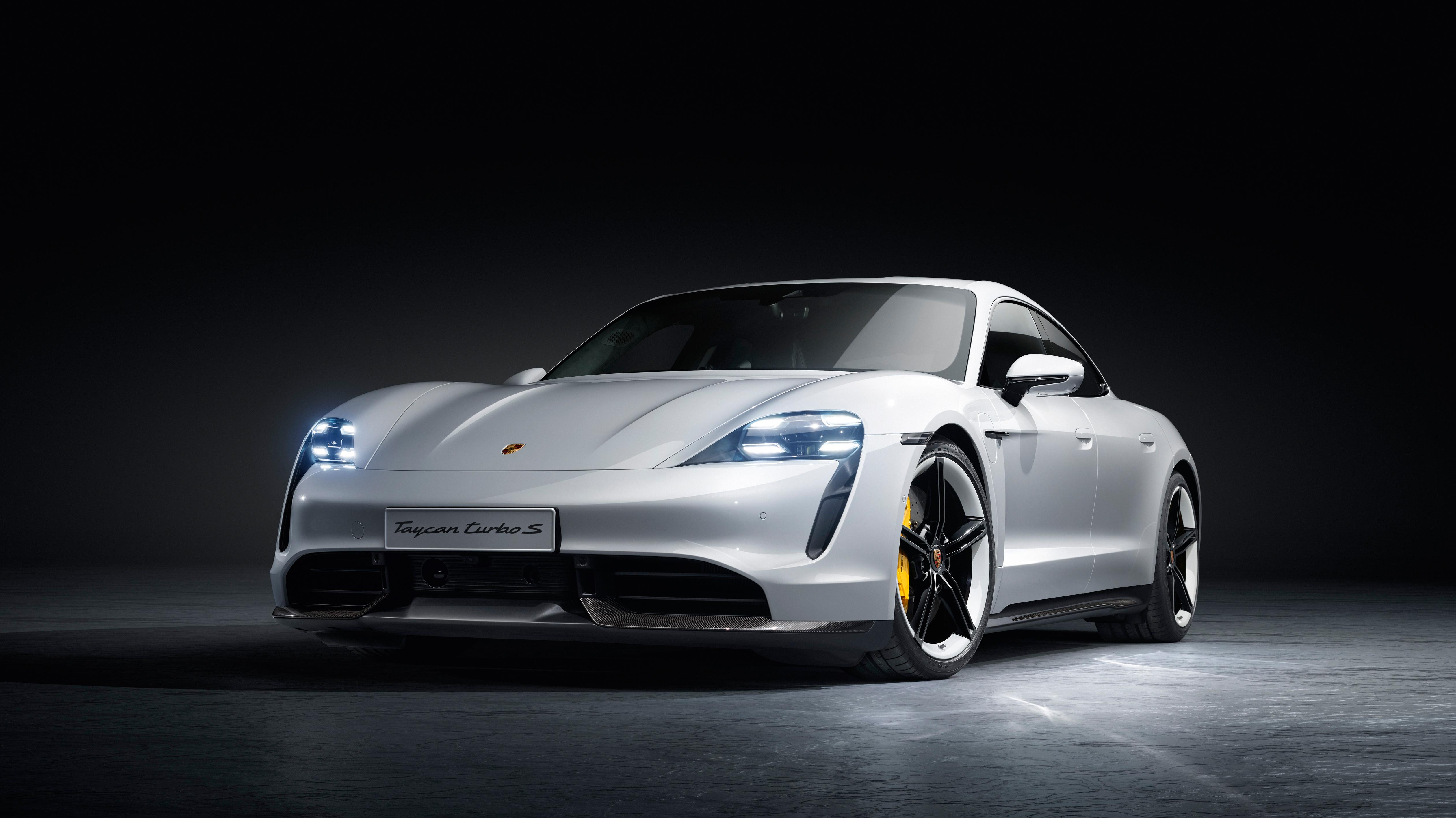"""Taycan heißt """"junges, wildes Pferd"""" und kommt aus dem orientalischen Sprachraum. Er ist der erste vollelektrische Sportwagen von Porsche. Credit: Porsche AG"""